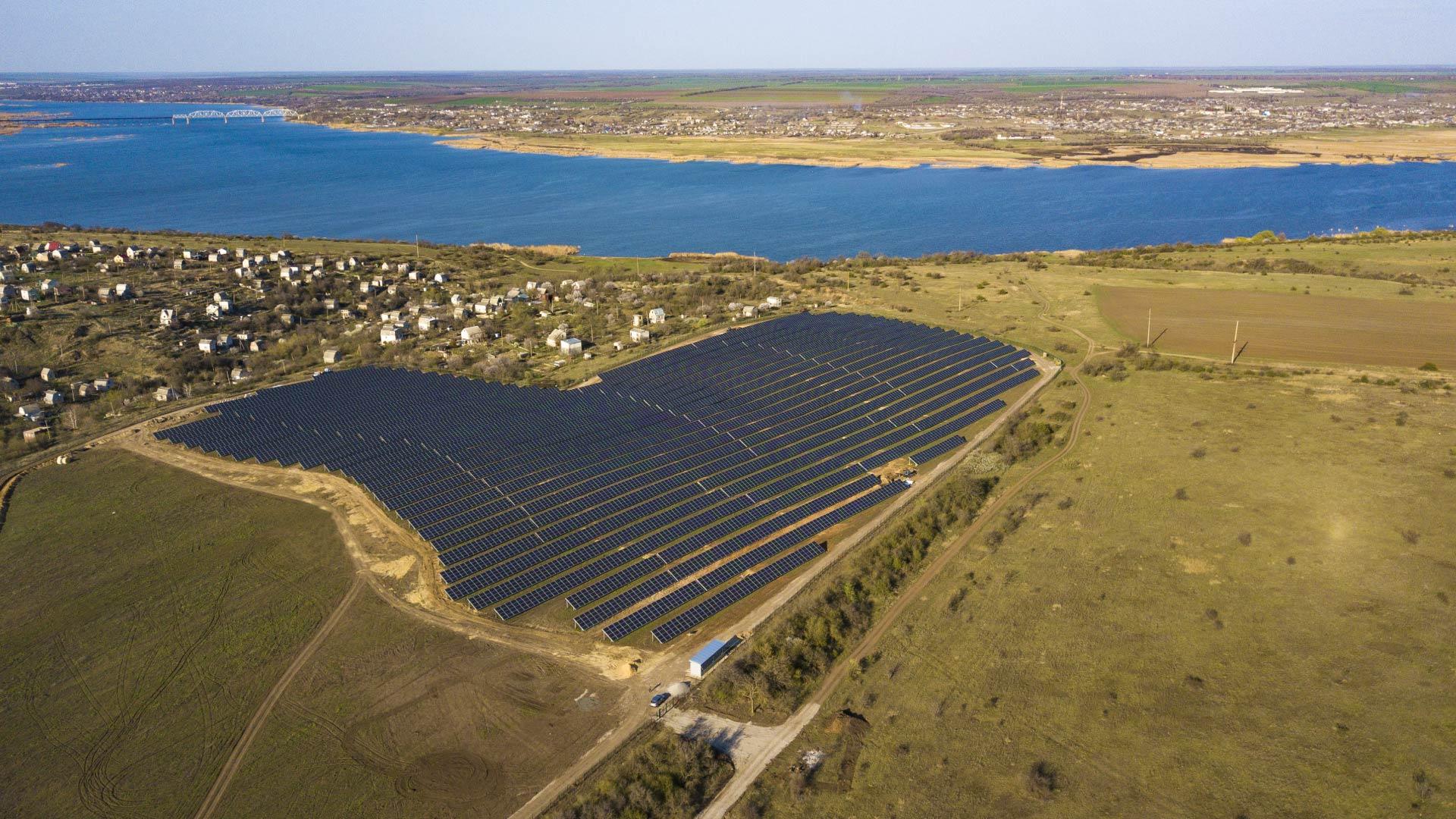 вот солнечная электростанция в щелкино фото его